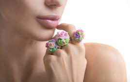 Bague Fleur en Pâte Polymère - Activités Bijoux - 10doigts.fr
