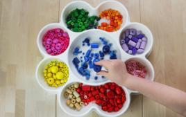 Formes et couleurs - Activités Montessori - 10doigts.fr