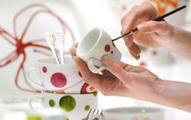 Je peins sur de la porcelaine - Activités de peinture - 10doigts.fr