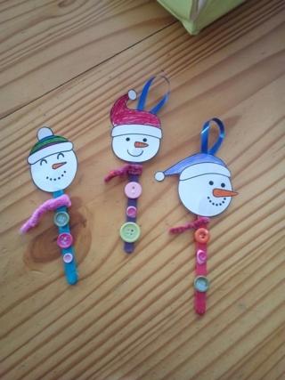Des bonhommes de neige - Créations d'enfant - 10doigts.fr