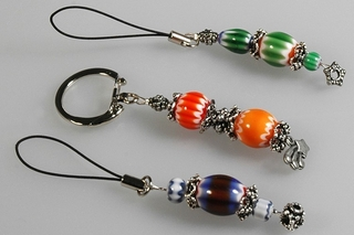 Gri-Gri et porte-clef - Perles, bracelets, colliers - 10doigts.fr
