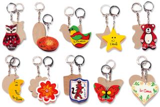 Porte-clefs assortis, en bois naturel à décorer... - Activités enfantines - 10doigts.fr