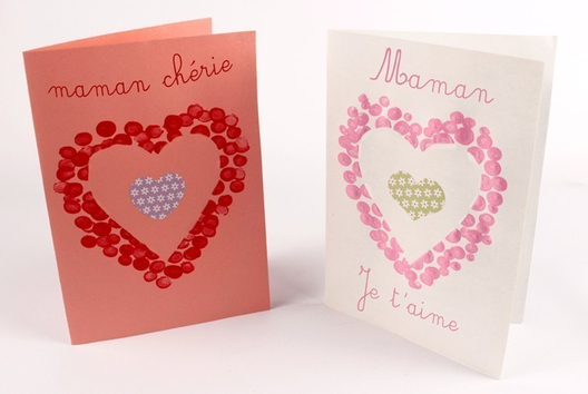 Carte coeur avec empreintes de doigts - Tutos Fête des Mères - 10doigts.fr