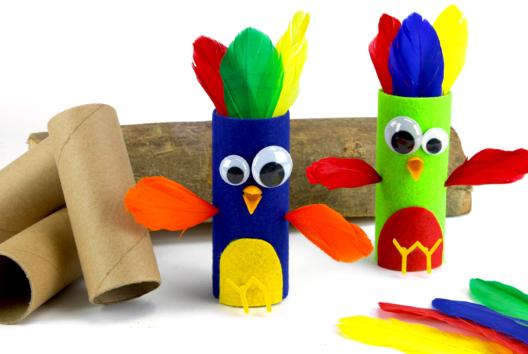 Oiseaux avec un rouleau en carton - Petits bricolages - 10doigts.fr