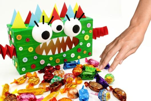 Boite à mouchoirs Monstre (boite à bonbons) - Tutos Halloween - 10doigts.fr
