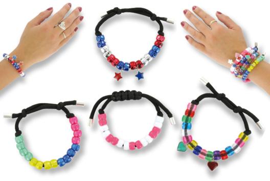 Bracelets cordon satin épais + perles - Tutos Fête des Mères - 10doigts.fr