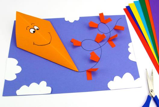 Cerfs-volants 3D en papier - Collage et pliage papier - 10doigts.fr
