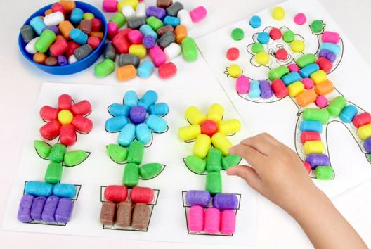 Dessiner en 3D avec les flocons de maïs - Activités enfantines - 10doigts.fr