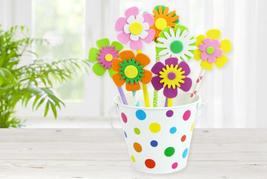 Pot de fleurs plein de couleurs - Tutos Fête des Mères - 10doigts.fr