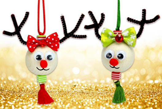 Suspension renne de Noël avec une grosse perle en bois - Animaux - 10doigts.fr