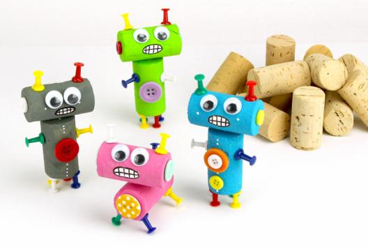 Petits robots en bouchons de liège - Personnages rigolos - 10doigts.fr