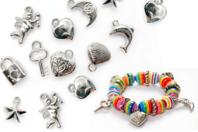 Perles charm's en plastique argenté - Perles métallisées - 10doigts.fr
