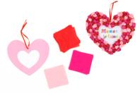 Suspension coeur en papier de soie - Kits activités clés en main - 10doigts.fr