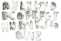 Coffret en métal d'emporte-pièces métalliques alphabet de A à Z - Emporte-pièces - 10doigts.fr