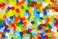 Grosse perles de rocaille translucides - 4000 perles - Perles de rocaille - 10doigts.fr