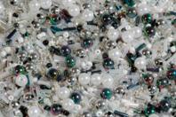 Rocailles en camaïeu argenté - 7000 perles - Perles de rocaille - 10doigts.fr