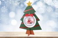 Sapin en bois et sa boule en plastique - Noël - 10doigts.fr