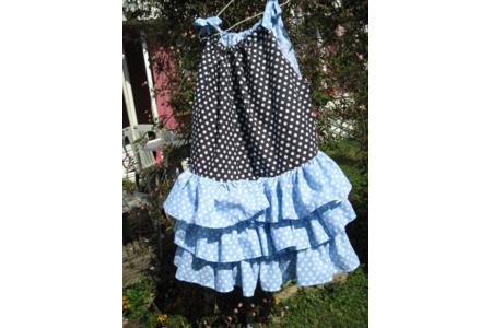 ma robe qui toune,qui tourne....pour Maellia - Couture, point de croix... - 10doigts.fr