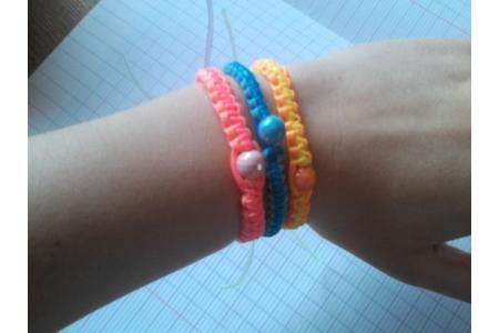 Shamballa en Scoubidous - Perles, bracelets, colliers - 10doigts.fr