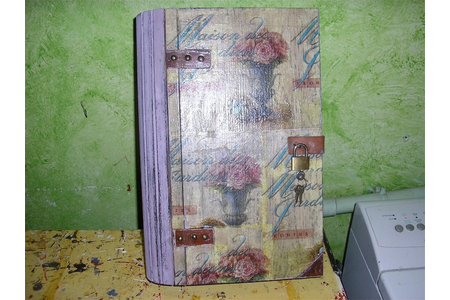 Customisation d'une boîte à Bijoux - Vernis collage papiers, serviettes - 10doigts.fr