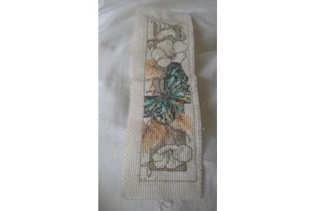 Marque page fait main papillon et fleurs. - Couture, point de croix... - 10doigts.fr