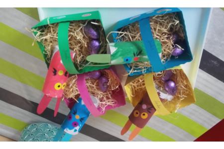 lapins de pâques et leur panier - Créations d'enfant - 10doigts.fr