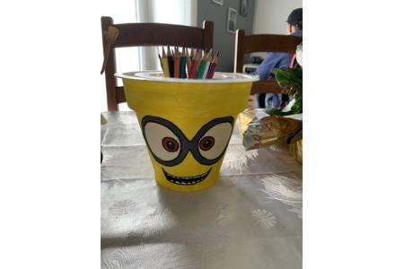 Recyclage pot de fleur en plastique en pot à crayon - Divers - 10doigts.fr