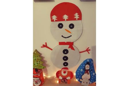 voici le deuxiemen bonhomme de neige en rouge - Pâques, Noël - 10doigts.fr