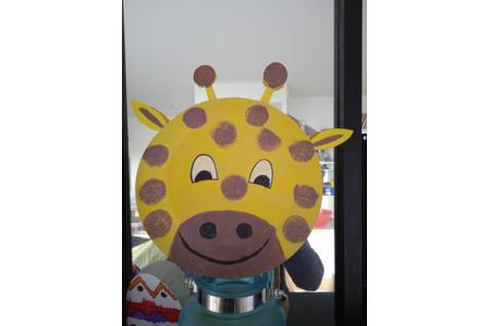Girafe crée avec une assiette en carton - Peinture - 10doigts.fr