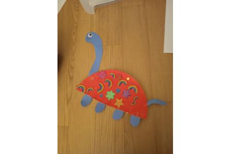 Création d'un brachiosaures avec le copain de ma fille qui a 4 ans - Peinture - 10doigts.fr