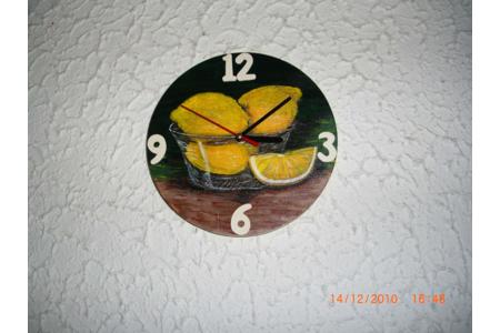 horloge citron - Vernis collage papiers, serviettes - 10doigts.fr