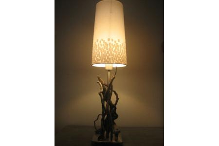 lampe en bois flotté - Lampes et guirlandes - 10doigts.fr