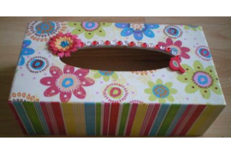 Boîte à mouchoirs Printanière - Déco du bois - 10doigts.fr