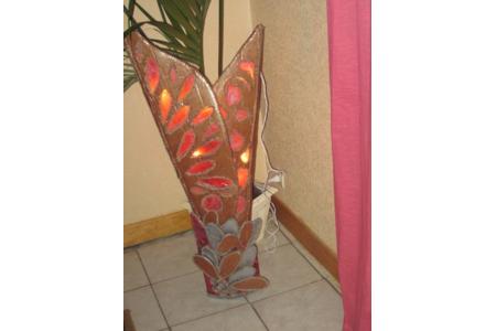 deco terminée pour ma lampe en dentelle de carton - Lampes et guirlandes - 10doigts.fr