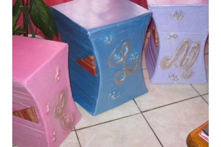 tabourets en carton pour 3 petits diables - Divers - 10doigts.fr