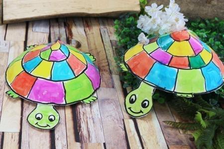 Fabriquer une tortue avec une assiette en carton - Animaux – 10doigts.fr