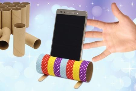 Support pour smartphone avec un rouleau en carton - Recyclage – 10doigts.fr