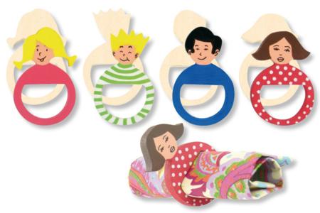 Ronds de serviette famille en bois - Set de 4 - Cuisine et vaisselle – 10doigts.fr