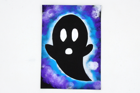 Silhouettes Halloween avec de la peinture - Tutos Halloween – 10doigts.fr