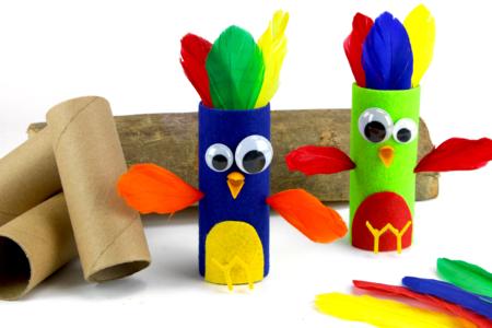 Oiseaux avec un rouleau en carton - Petits bricolages – 10doigts.fr