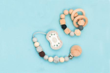 Anneaux en bois Ø 4 cm - 8 pièces - Perles en bois – 10doigts.fr