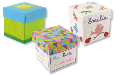 Boîtes carrées en carte forte blanche pré-pliée - Activités enfantines – 10doigts.fr