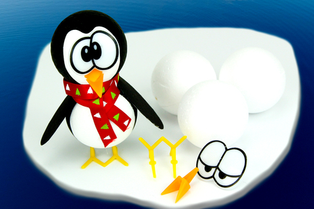 Pingouin avec des boules en polystyrène - Noël - 10doigts.fr