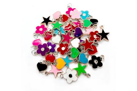 Pendentifs charm's colorés - 20 charm's - Bijoux Liberty – 10doigts.fr