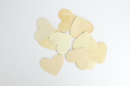 Coeurs en bois naturel - Motifs bruts – 10doigts.fr