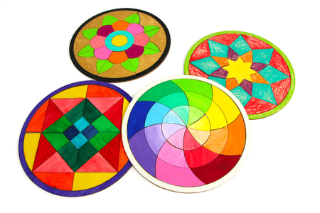 Dessous de plat puzzle en bois - Set de 4 modèles - Puzzle à colorier, dessiner ou peindre – 10doigts.fr