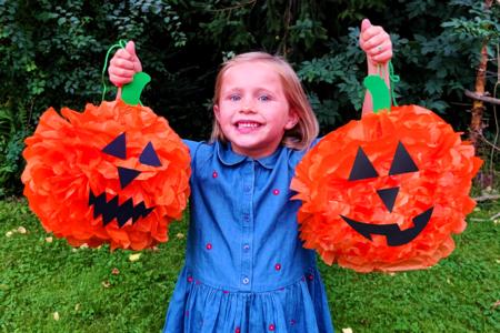 Citrouilles d'Halloween géantes en papier de soie - Tutos Halloween – 10doigts.fr