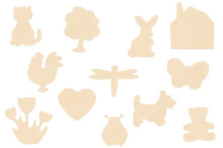 Motifs assortis en bois naturel - Set de 12 - Motifs bruts – 10doigts.fr