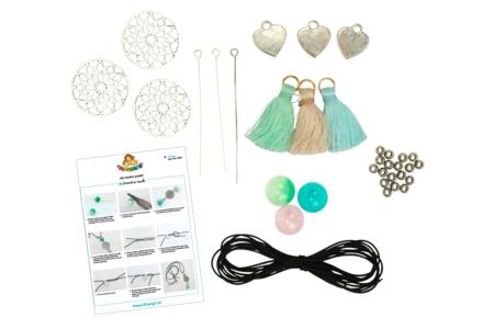 Sautoirs pastel - Kit pour 3 réalisations - Colliers et chaines – 10doigts.fr