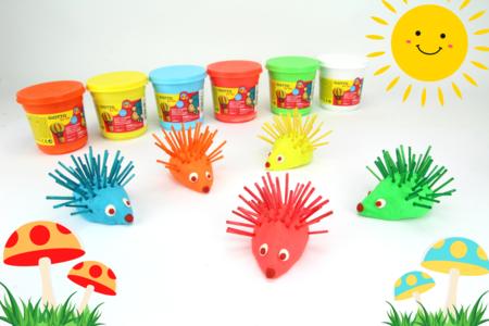 Hérissons colorés en pâte à modeler - Activités enfantines - 10doigts.fr